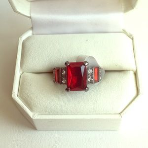 $3/15 Gray and Red costume ring size 8